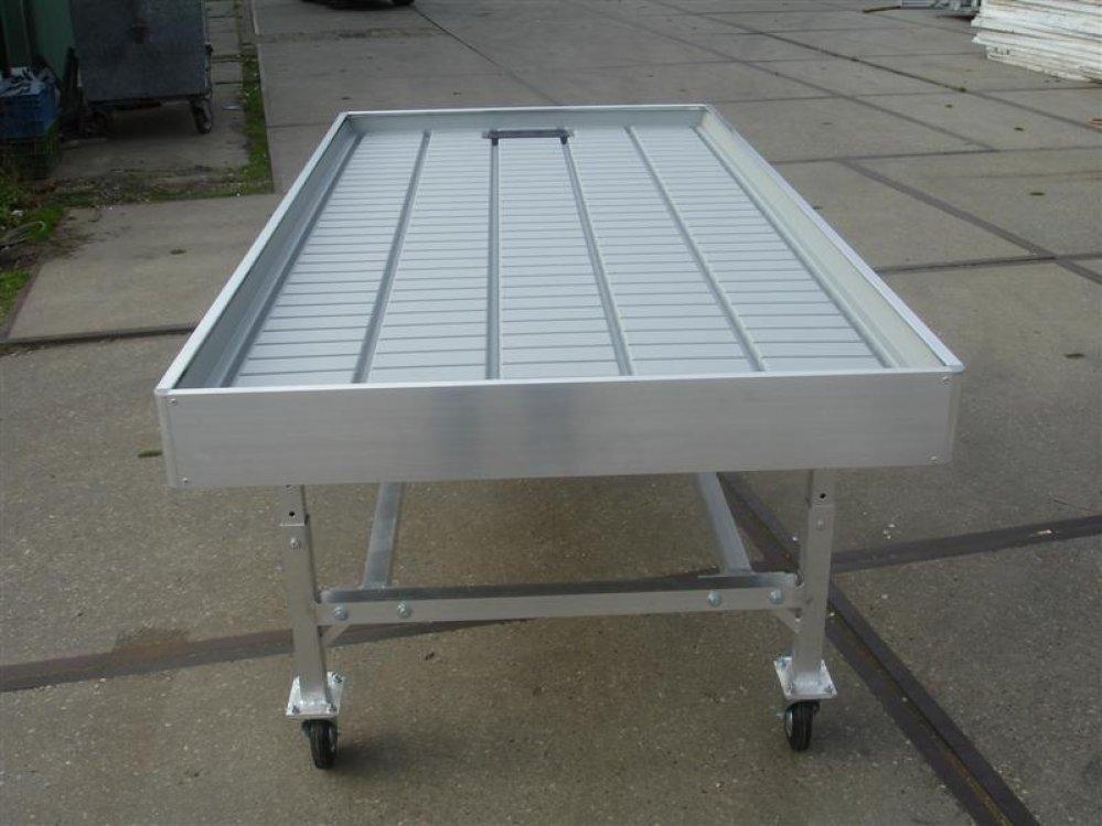 Aluminium kweektafels roltafels verkooptafels werk montage